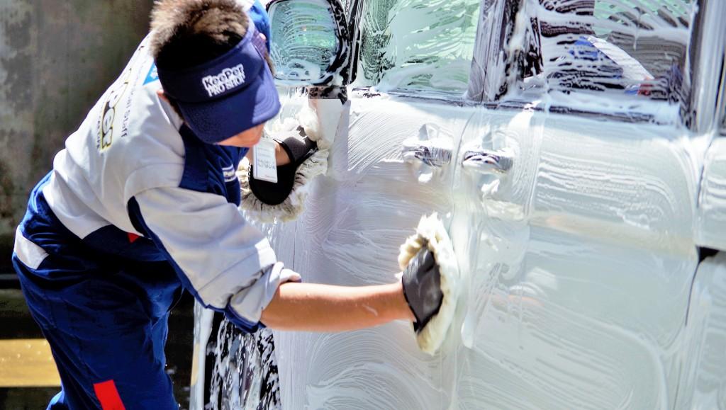 たまにはプロに手洗い洗車を頼んでみよう♪|白河市・棚倉町の洗車専門店